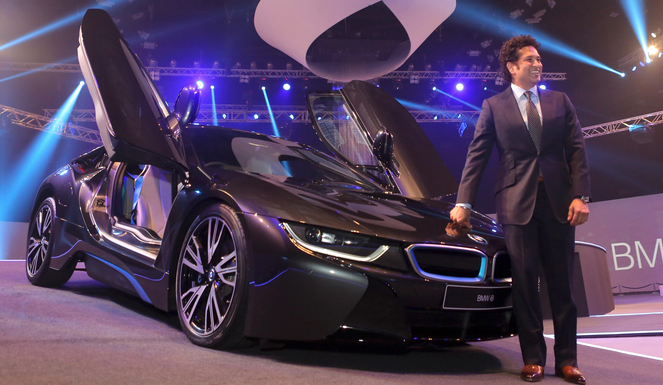 BMW i8 hybrid car launched in India @2.3 cr