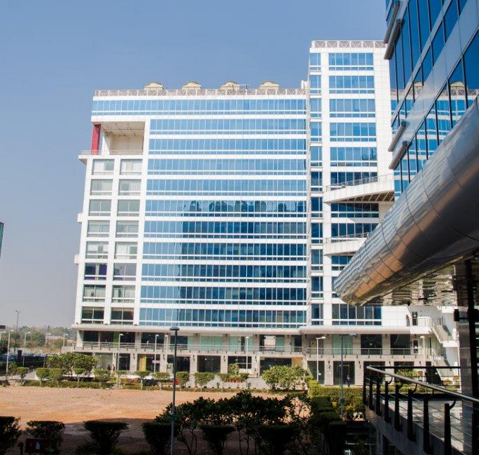 DLF says no deal with Blackstone on Pune IT Park yet