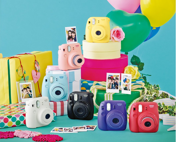 FujiFilm offers discounts on Instax instant photo maker