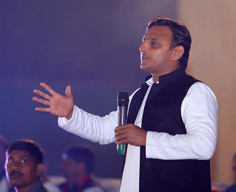 Akhilesh Yadav supports reservation for Patels, upper castes