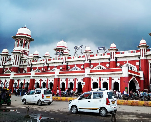 Rs 540 cr contract awarded to redevelop Lucknow's iconic Charbagh railway station