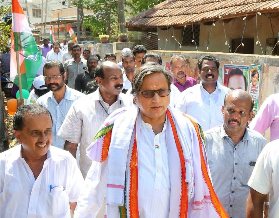 ASIANET SURVEY: Tharoor may lose to BJP, Left makes fresh gains