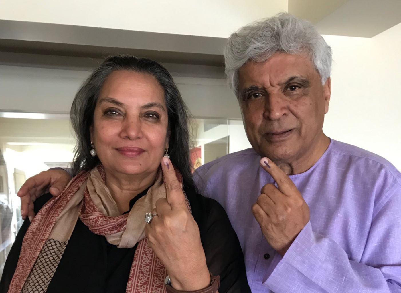 Shabana Azmi injured in SUV-truck collision