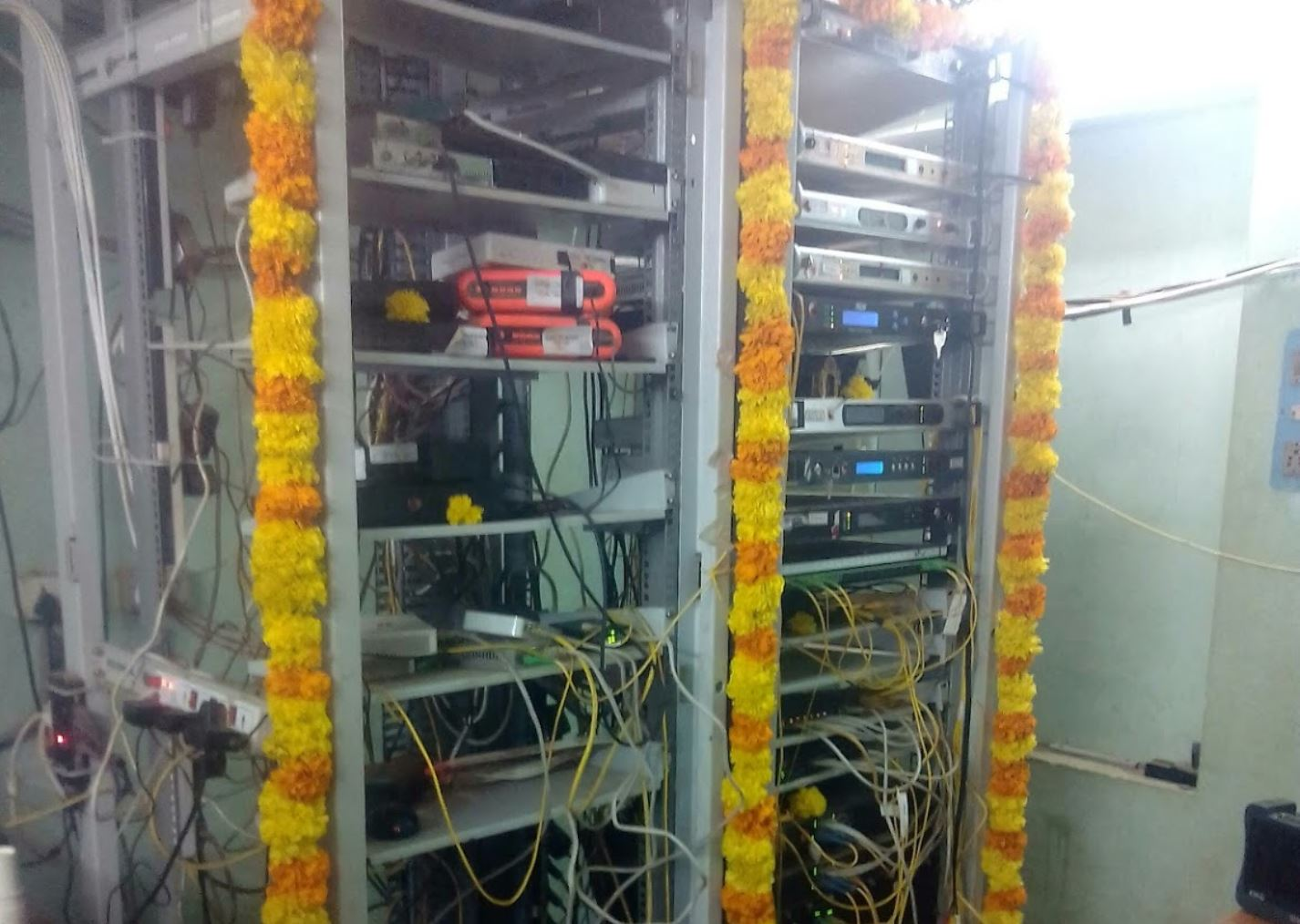 Govt requests cable, DTH players not to disconnect users