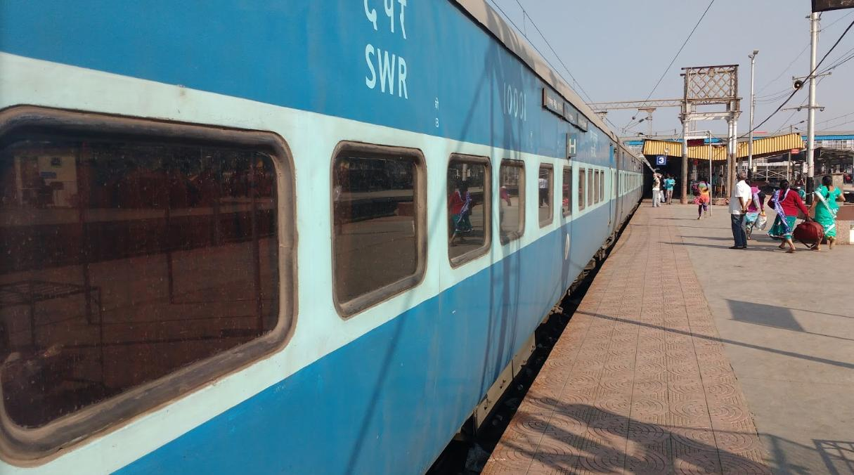 Kerala opposes restarting trains; to quarantine those without passes
